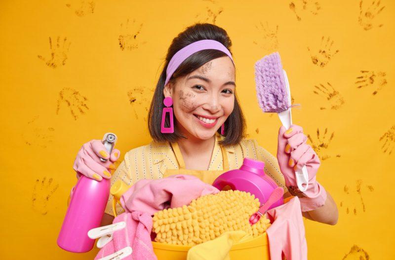 Was gehört zu den Aufgaben einer Reinigungskraft?